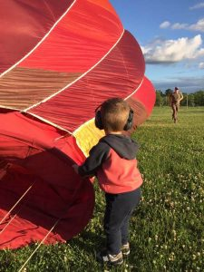 hot air balloons owen helping 225x300 - hot-air-balloons-owen-helping