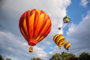 hot air balloons rising into the sky 300x200 - hot-air-balloons-rising-into-the-sky